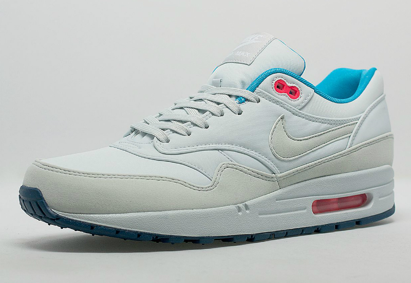 nike air max 1 fb pure platinum blue force shoes football fashion blog. Black Bedroom Furniture Sets. Home Design Ideas