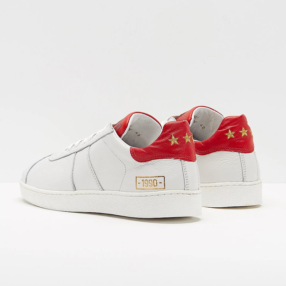 pantofola d 39 oro 1990 leather white red shoes football fashion blog. Black Bedroom Furniture Sets. Home Design Ideas