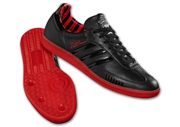 You are browsing images from the article: Adidas Samba - Darth Vader